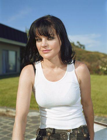 models Pauley Perrette 20 years teat photography in public