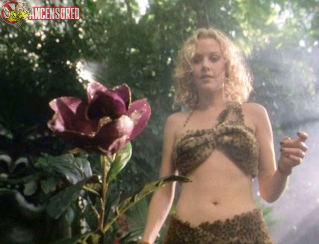 celebritie Penelope Ann Miller 19 years swimsuit image home