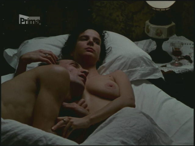 Rachel Griffiths topless photo