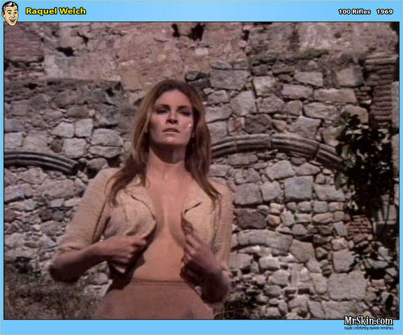 models Raquel Welch 25 years ass snapshot home