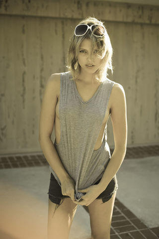 actress Riley Voelkel 23 years nipple snapshot in the club