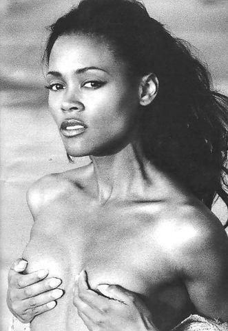 models Robin Givens 25 years undress photos beach