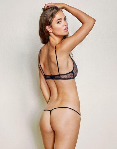 actress ROBIN HOLZKEN young Without slip image in public