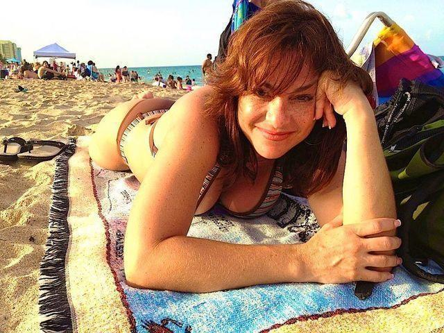 celebritie Rosana Franco 21 years sexual photo in public
