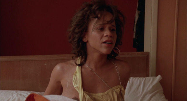 actress Rosie Perez 23 years pussy picture in the club
