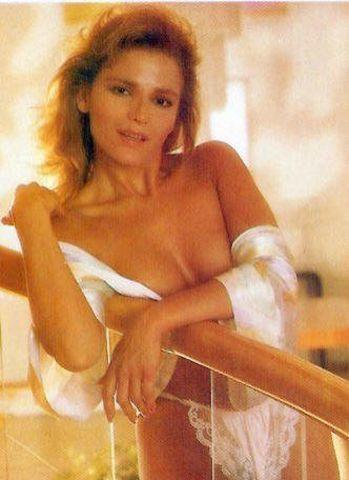 actress Roxana Chávez 23 years Without brassiere picture beach