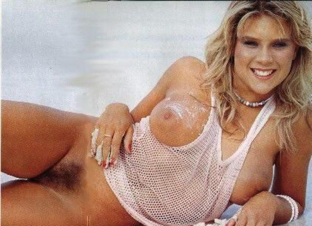 models Samantha Fox 22 years bareness picture in the club