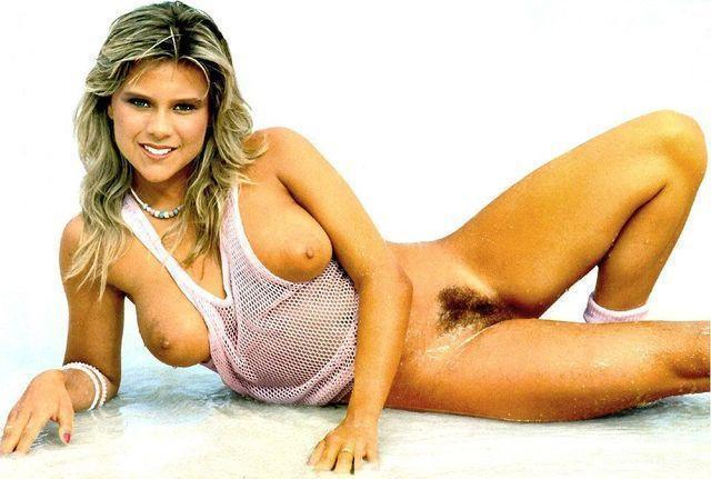 celebritie Samantha Fox 24 years romantic art in the club