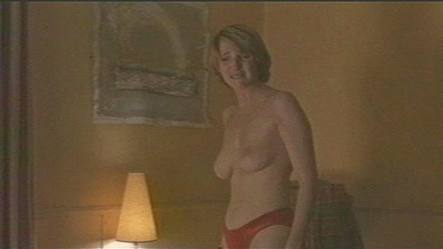 celebritie Sandrine Kiberlain 19 years buck naked picture in the club