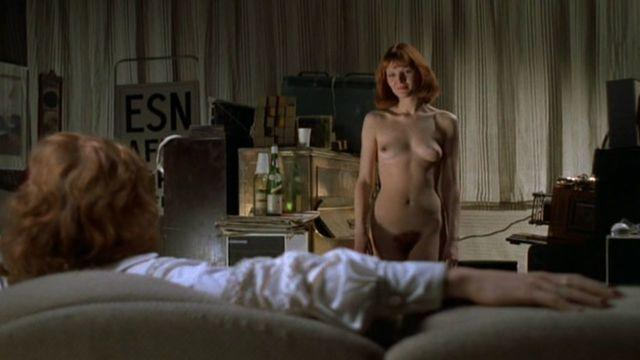 celebritie Sandy Ratcliff young nude snapshot in the club