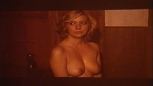 actress Sandy Samuel 24 years tits snapshot in the club