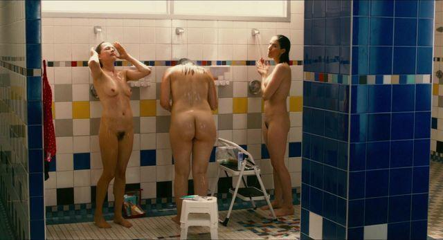 celebritie Sarah Silverman teen voluptuous picture beach