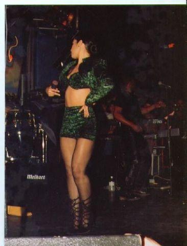 celebritie Selena Quintanilla 23 years nudity image in the club