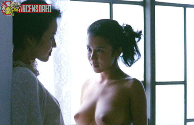 actress Setsuko Karasuma 23 years undressed image beach