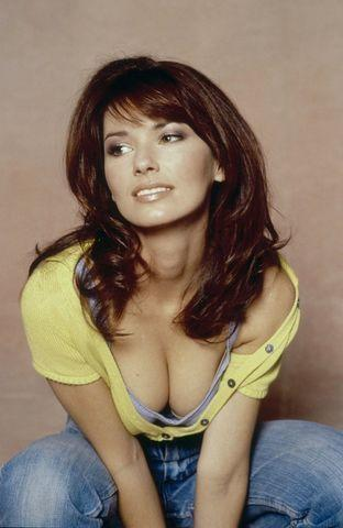 celebritie Shania Twain 21 years in the buff photo home