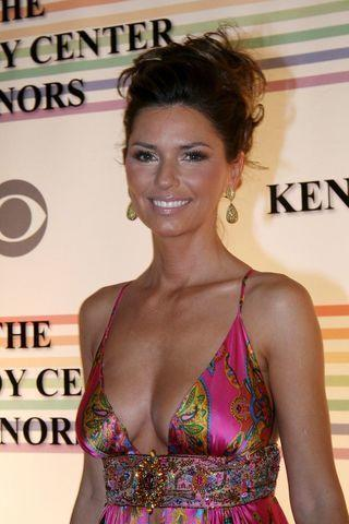 models Shania Twain 24 years Without brassiere pics beach