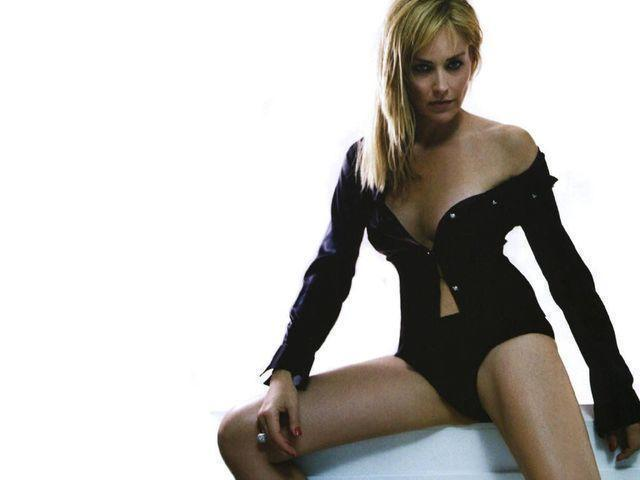 actress Sharon Stone 20 years lascivious photography beach