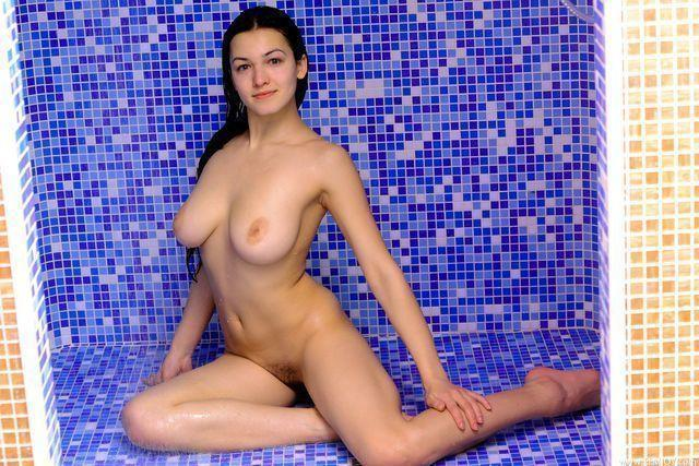 models Sofi a 24 years naturism foto home
