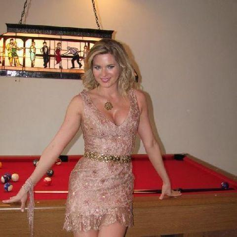 models Sonya Smith 21 years unsheathed pics in the club