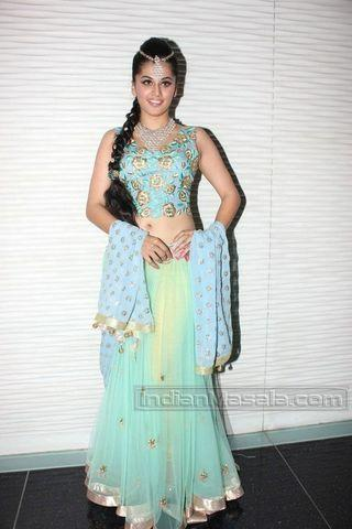 actress Taapsee Pannu teen rousing photos in public