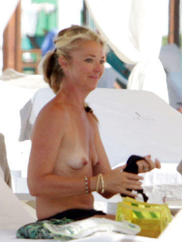 celebritie Tamara Beckwith 20 years in one's skin photos beach