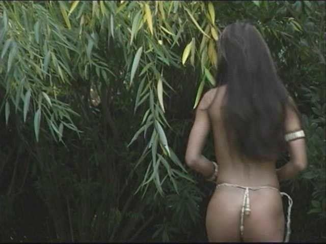models Teanara Kai 23 years nudism picture beach