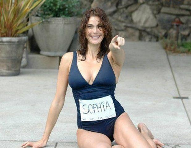 celebritie Teri Hatcher 23 years hot photography home