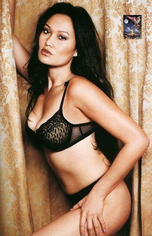 models Tia Carrere 19 years sky-clad photography beach