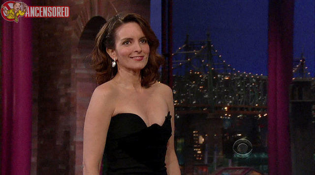 actress Tina Fey 19 years barefaced art home