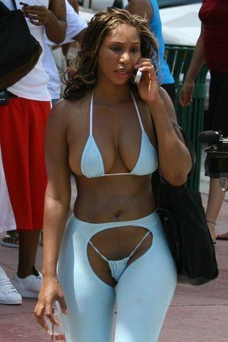 Sexy Toni Braxton photos high density