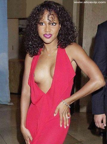 models Toni Braxton 25 years natural picture beach