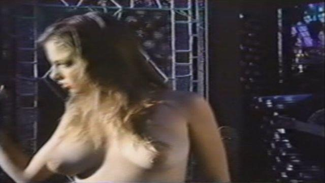 celebritie Traci Lords 21 years in the buff photo in the club