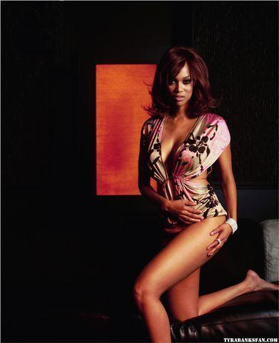 Naked Tyra Banks foto