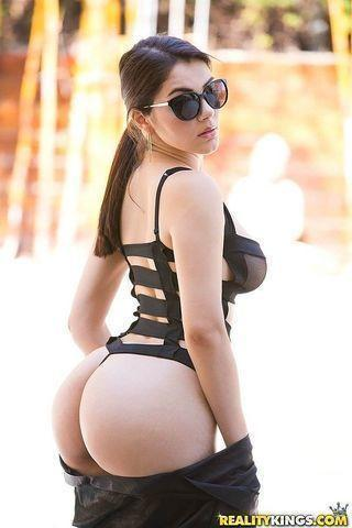 models Valentina Nappi 23 years sexual image home