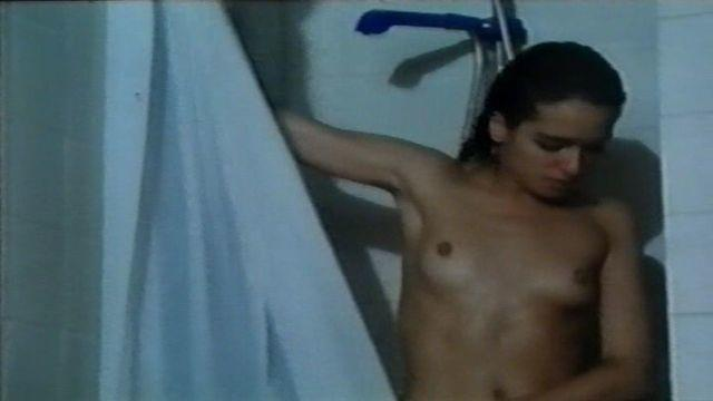 celebritie Valeria Golino 21 years naked picture in the club