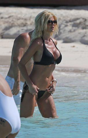 Hot image Victoria Silvstedt tits