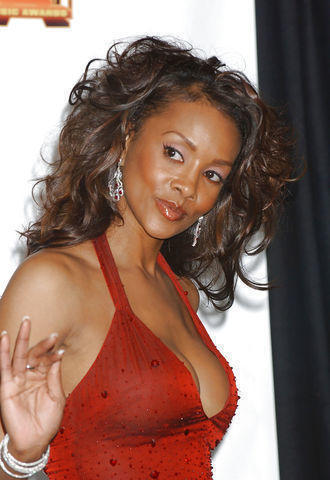 celebritie Vivica A. Fox 24 years nudity pics in the club
