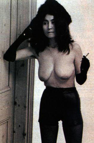 celebritie Yoko Ono 21 years crude photos in the club