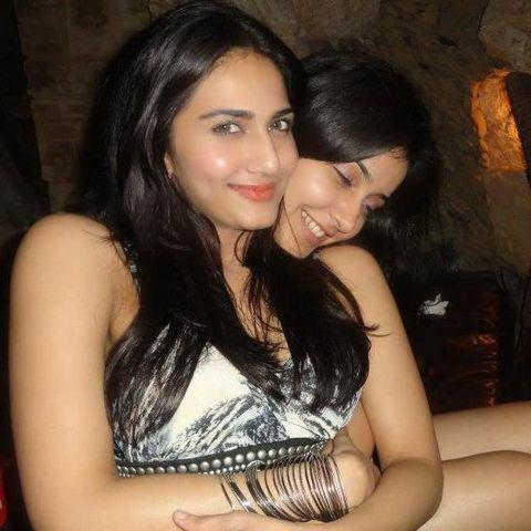 models Vaani kapoor 20 years spicy photography home