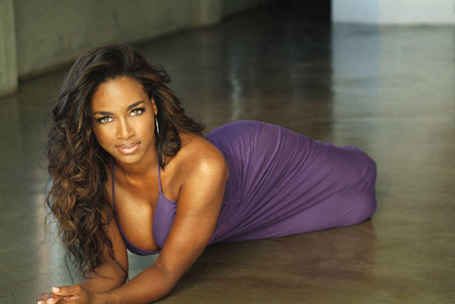 actress Kenya Moore 18 years sexual image beach