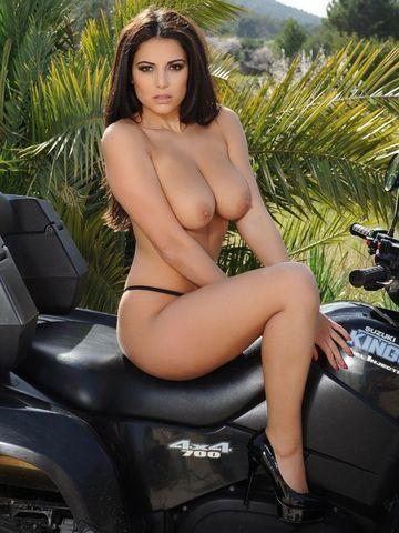 models Charlotte Springer 20 years voluptuous picture beach