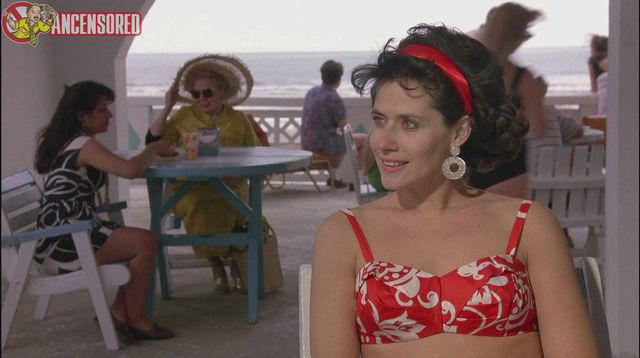 celebritie Lorraine Bracco 25 years lewd snapshot beach