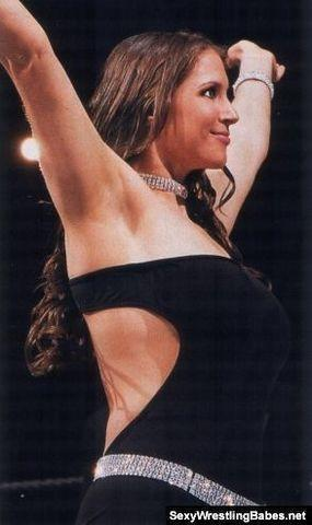 celebritie Stephanie McMahon-Levesque 18 years Hottest photos beach