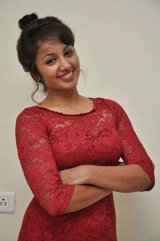 Sexy Tejaswi Madivada photos High Quality