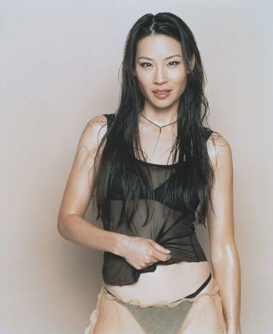 actress Lucy Liu 24 years inviting photos home