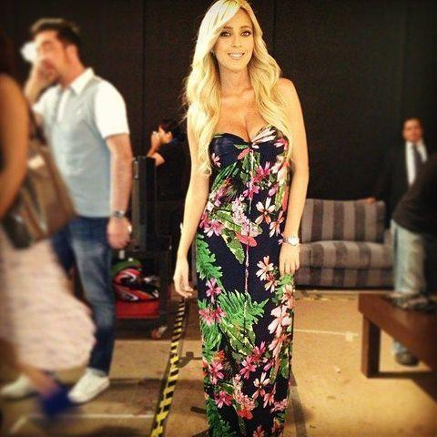 celebritie Shanik Aspe 2015 bust picture in public