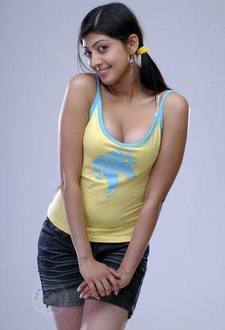 models pranitha teen bare picture in the club