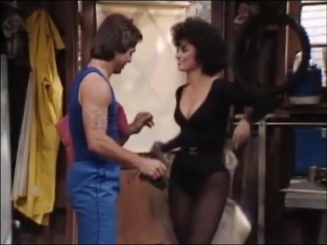 Delta Burke topless photos