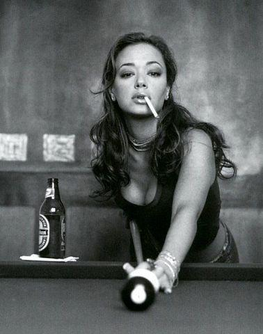celebritie Leah Remini 20 years hot pics in the club