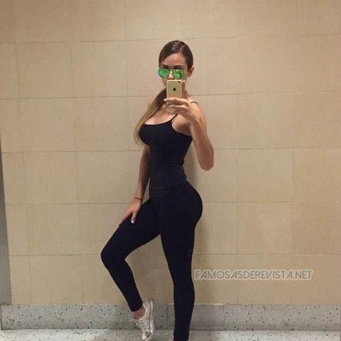 celebritie Yanet Garcia young teat photo in the club